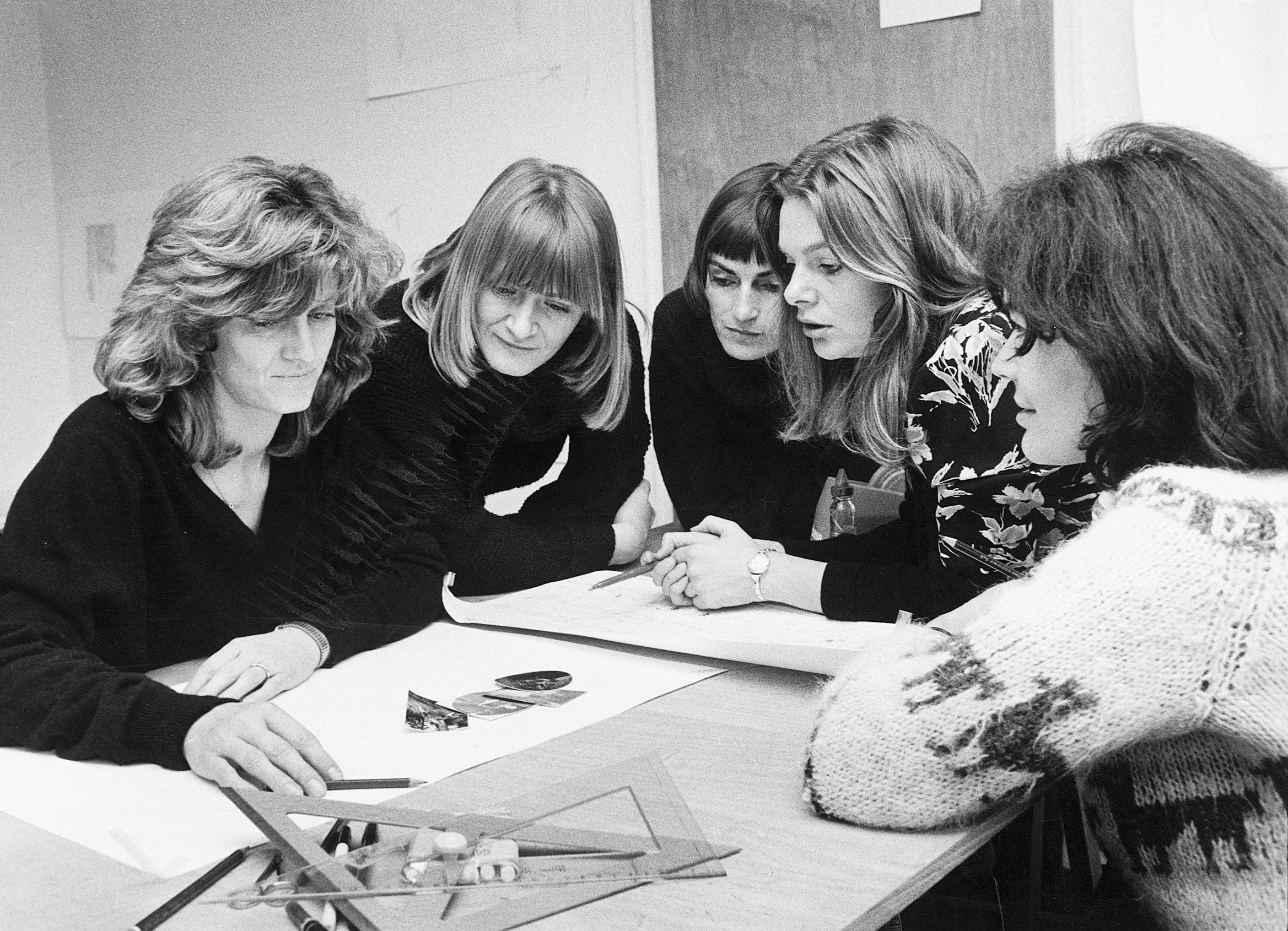 Das EMMA-Team beim Machen der ersten Ausgabe.