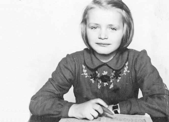 Mit acht Jahren in der Schule Pfalzgrafenstraße.