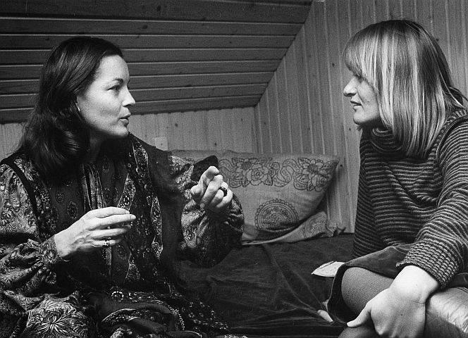 Köln, 12. Dezember 1976: Romy Schneider trifft Alice Schwarzer. - Foto: Gabriele Jakobi